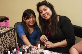 Karla Rivas (volunteer) and Cinthia.